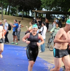 Marie just out of the water Paris Tri 2015