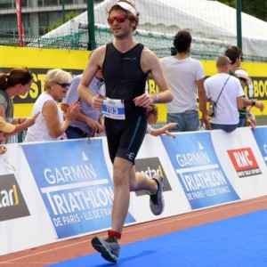 Nils nears the finish line - Paris Tri 2015